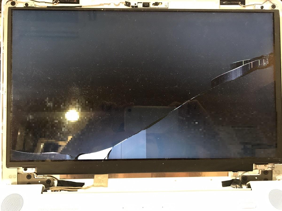 埼玉県越谷市 ノートパソコンの液晶パネルが割れてしまった/富士通 Windows 10のイメージ
